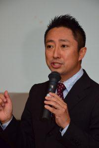 ニュースの現場などについて話す講師の澤さん