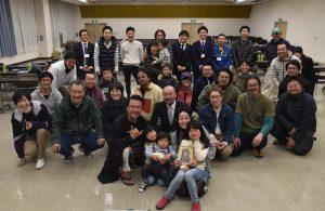 松井家(前列中央)と参加した皆さん